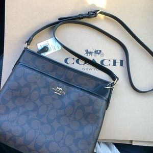 🆕NWT Coach Crossbody Purse